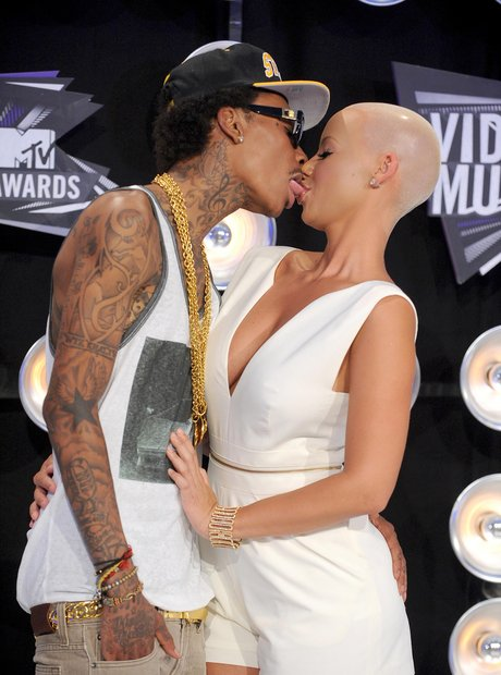 Whiz Khalifa and Amber Rose Kiss