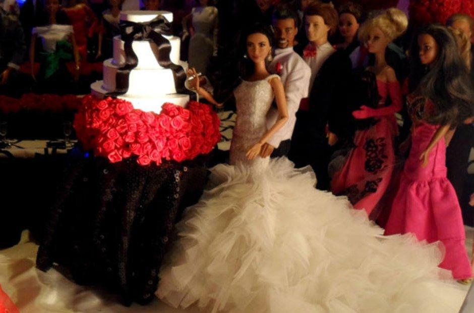 Kanye West And Kim Kardashian Barbies Make The Journey Down The