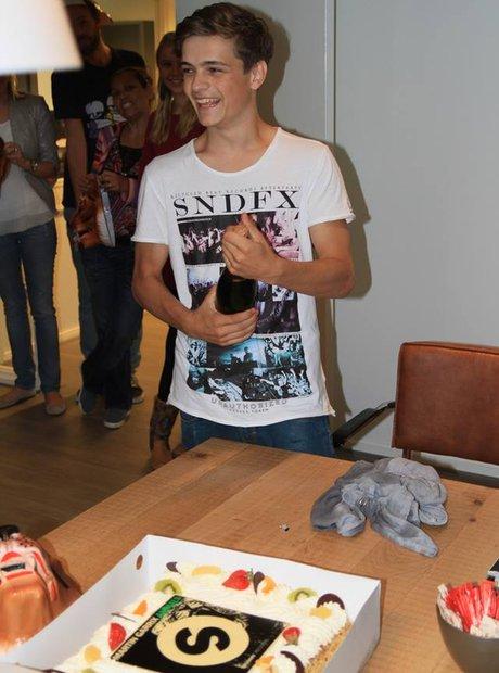 Martin Garrix spinnin records cake