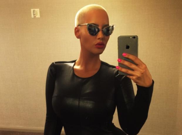 Amber Rose selfie