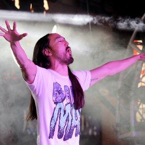 Steve Aoki on stage