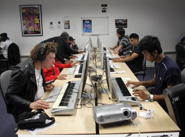 Young Music Producers in Birmingham learnt about the latest techniques