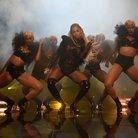 Beyonce 2016 VMAs performance
