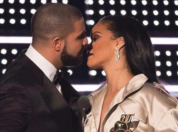 Drake and Rihanna VMAs 2016