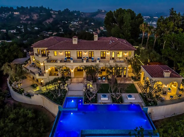 Drake's home in in Beverly Hills
